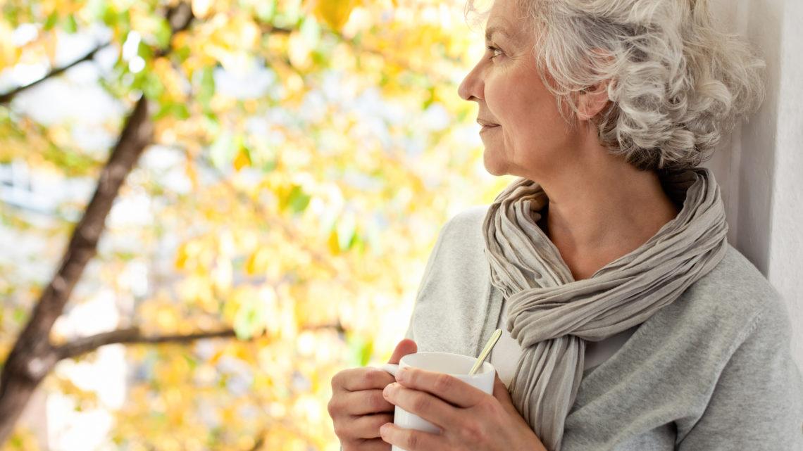 Оказывается, что одинокие женщины в старости гораздо счастливее и здоровее замужних