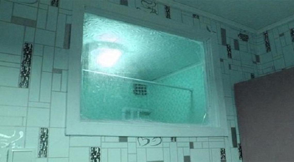 Зачем в советских санузлах делали окно