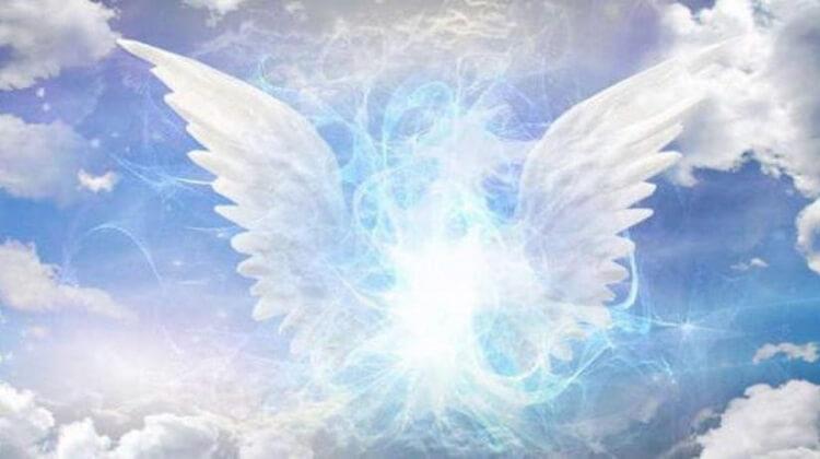 Мой ангел, обними меня крылом.Стихотворение для души.