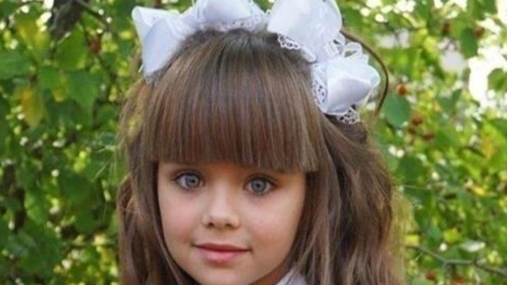 Самая красивая девочка Настя Князева пошла в 1 класс